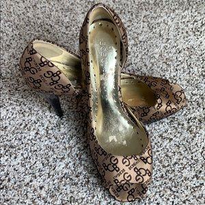 BCBG  👠 monogram High heel shoes